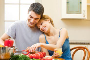 """La alimentación para una relación sexual plena en """"Desnudos"""""""
