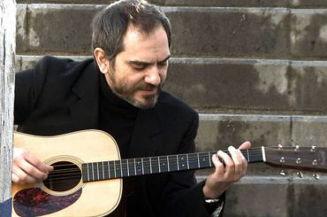 18.02.01 Música para camaleones – Fernando Alfaro